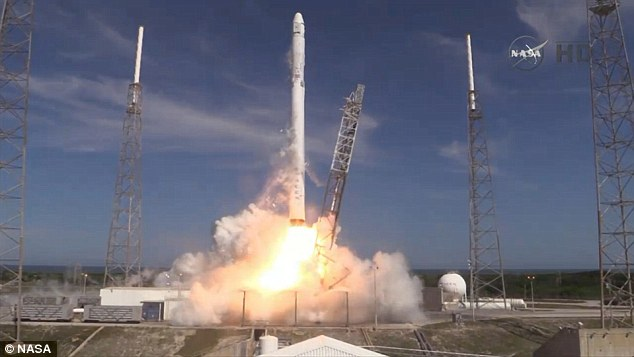While the booster landing didn't go to plane, the launch was successful. It took place at 4.10 ET from Florida under perfect conditions, after a attempt had to be scrubbed on Monday due to lightning