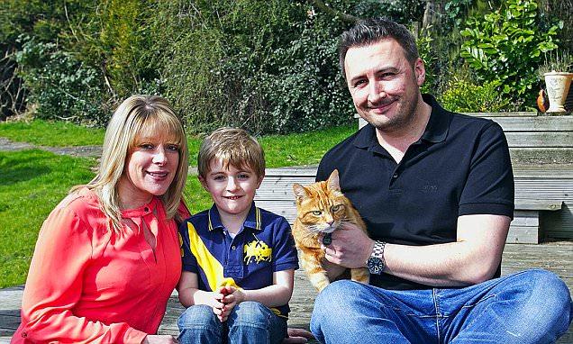 Why did fraudster's £800 phone debts wreck my mortgage?