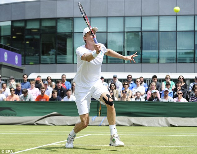 High society: Anderson returns to Fabio Fognini of Italy in their third round match
