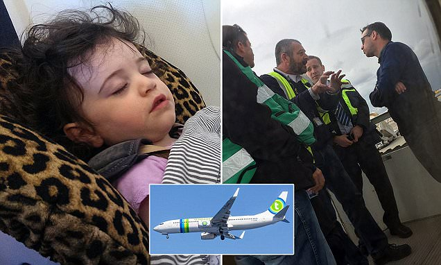 Crying toddler removed from Transavia Airlines flight and met by police