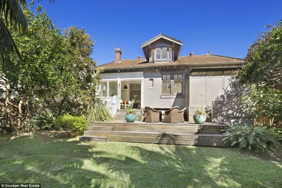 The beach side home is expected to reach $3.3 million when it goes to auction on November 1