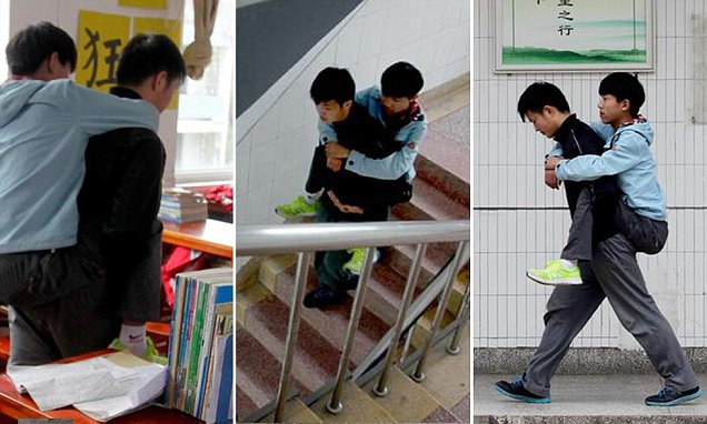 Chinese student has carried disabled friend to class every day for three years
