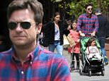 Jason-Bateman-and-kids.jpg