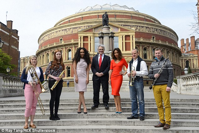 All together: The famous musicians took picture for the Classic FM VE Day at 70 concert photocall