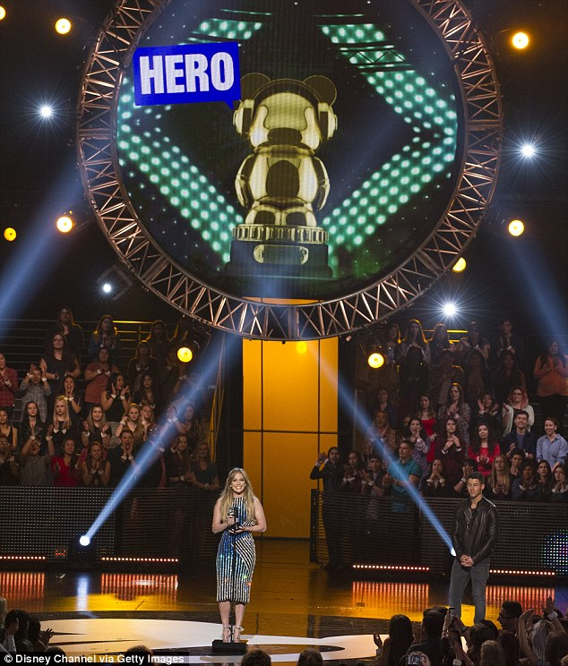 Feeling the love: As Jennifer stood center stage accepting her award, the crowd surrounding her couldn't hold back their applause
