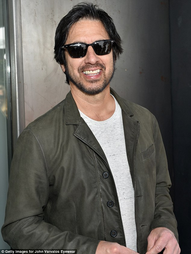 Everybody Loves it! Ray Romano in a green jacket and grey T-shirt