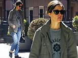 136371, EXCLUSIVE: Rose Byrne seen out and about without makeup in NYC. New York, New York - Tuesday April 28, 2015. Photograph: © PacificCoastNews. Los Angeles Office: +1 310.822.0419 sales@pacificcoastnews.com FEE MUST BE AGREED PRIOR TO USAGE