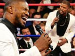 LAS VEGAS, NV - MAY 02:  Jamie Foxx sings the national anthem of the United States of America before the welterweight unification championship bout between Floyd Mayweather Jr. and Manny Pacquiao on May 2, 2015 at MGM Grand Garden Arena in Las Vegas, Nevada.  (Photo by Jamie Squire/Getty Images)
