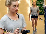 136840, EXCLUSIVE: Margot Robbie spotted with her boyfriend and a friend at Whole Foods in Toronto, Canada during her day off from filming Suicide Squad. She seemed to have trouble paying with her credit card as it was declined but eventually was able to pay. CANADA OUT Photograph: © PacificCoastNews. Los Angeles Office: +1 310.822.0419 sales@pacificcoastnews.com FEE MUST BE AGREED PRIOR TO USAGE
