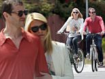 136911, EXCLUSIVE: Claire Danes seen shopping with her husband Hugh Dancy on a bicycle in LA. Los Angeles, California - Saturday May 09, 2015. Photograph: KVS, © PacificCoastNews. Los Angeles Office: +1 310.822.0419 sales@pacificcoastnews.com FEE MUST BE AGREED PRIOR TO USAGE