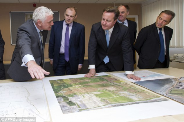 David Cameron examines plans for Hinkley Point