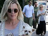 NON EXCLUSIVE PICTURE: MATRIXPICTURES.CO.UK\nPLEASE CREDIT ALL USES\nUK RIGHTS ONLY\nAmerican actress and film director Jennie Garth is pictured with her fiance, American actor David Abrams, at John Varvatos store in West Hollywood.\nMAY 30th 2015\nREF: MXP 151738\nWCN\nROSARIO