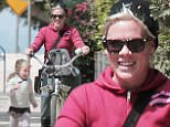 137918, EXCLUSIVE: Pink rides a beach cruiser while daughter Willow runs happily alongside her. Los Angeles, California - Friday May 29, 2015. Photograph: KVS/Gaz Shirley, © PacificCoastNews. Los Angeles Office: +1 310.822.0419 sales@pacificcoastnews.com FEE MUST BE AGREED PRIOR TO USAGE