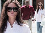 137895, EXCLUSIVE: Katie Holmes walks back to her waiting SUV with her bodyguard holding a Green's Up salad and a diet coke in Venice. Los Angeles, California - Thursday, May 28, 2015. Photograph: KVS/Gaz Shirley, © PacificCoastNews. Los Angeles Office: +1 310.822.0419 sales@pacificcoastnews.com FEE MUST BE AGREED PRIOR TO USAGE