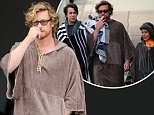 May 31, 2015: Simon Baker wears an unusual wizard cape towel as he walks to Bondi Beach with his sons Harry and Claude in Sydney, Australia. EXCLUSIVE. Mandatory Credit: INFPhoto.com Ref:infausy-42/45