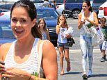 Going organic! Brooke Burke hits the market in Malibu with er kids and she is all smile! june 7, 2015 X17online.com