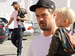 eURN: AD*171756960  Headline: A tired lookiing Josh Duhamel and his adorable son, Axl Caption: Josh Duhamel got some quality time with his beautiful boy Axl.  getting some gas and the going to lunch in Brentwood June 7, 2015 Globo/X17online.com Photographer: Green/X17online.com  Loaded on 07/06/2015 at 22:18 Copyright:  Provider: Green/X17online.com  Properties: RGB JPEG Image (10458K 966K 10.8:1) 1624w x 2198h at 300 x 300 dpi  Routing: DM News : GeneralFeed (Miscellaneous) DM Showbiz : SHOWBIZ (Miscellaneous) DM Online : Online Previews (Miscellaneous), CMS Out (Miscellaneous)  Parking: