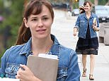 UK CLIENTS MUST CREDIT: AKM-GSI ONLY EXCLUSIVE: Jennifer Garner takes the kids to school with husband Ben Affleck.  After school Jennifer stopped to get some coffee togo at Starbucks, Ben waited in the car.  Pictured: Jennifer Garner Ref: SPL1049604  090615   EXCLUSIVE Picture by: AKM-GSI / Splash News