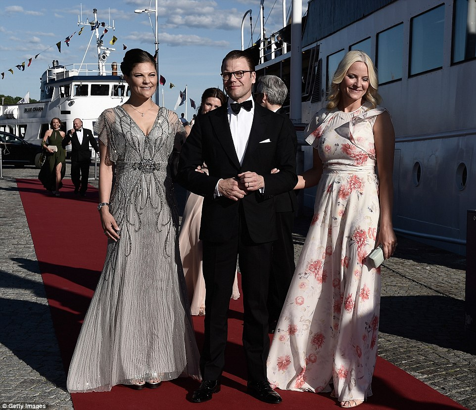 Crown Princess Victoria of Sweden and her husband Prince Daniel of Sweden and Princess Mette-Marit of Norway arrive for the dinner