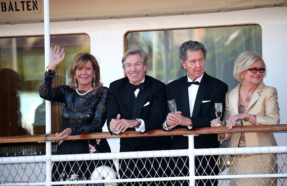 Prince Leopold, Poldi and his wife Princess Ursula, Uschi of Bayern, Walther L. Sommerlath and his wife Ingrid on the boat