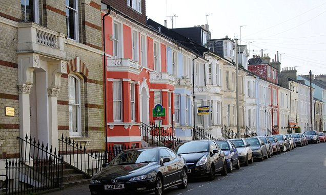 London commuter belt homes are £185k cheaper and only one hour away