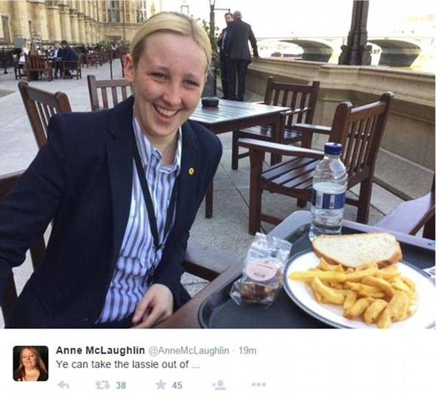 A picture uploaded by Glasgow North East MP Anne McLaughlin to Twitter showed Mhairi Black tucking into a lunch of bread and chips on the Commons terrace