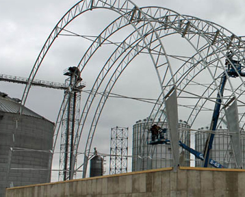 Quality hoop buildings in Illinois and Iowa