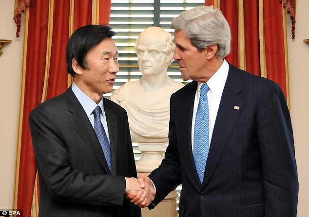 Co-operation: South Korean foreign minister Yun Byung-se with U.S. Secretary of State John Kerry