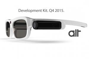 Устройство крепится на 3D-очки