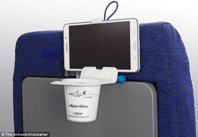 Free up space for your legs with the help of the Air Hook - eliminating any need to ever use your tray table