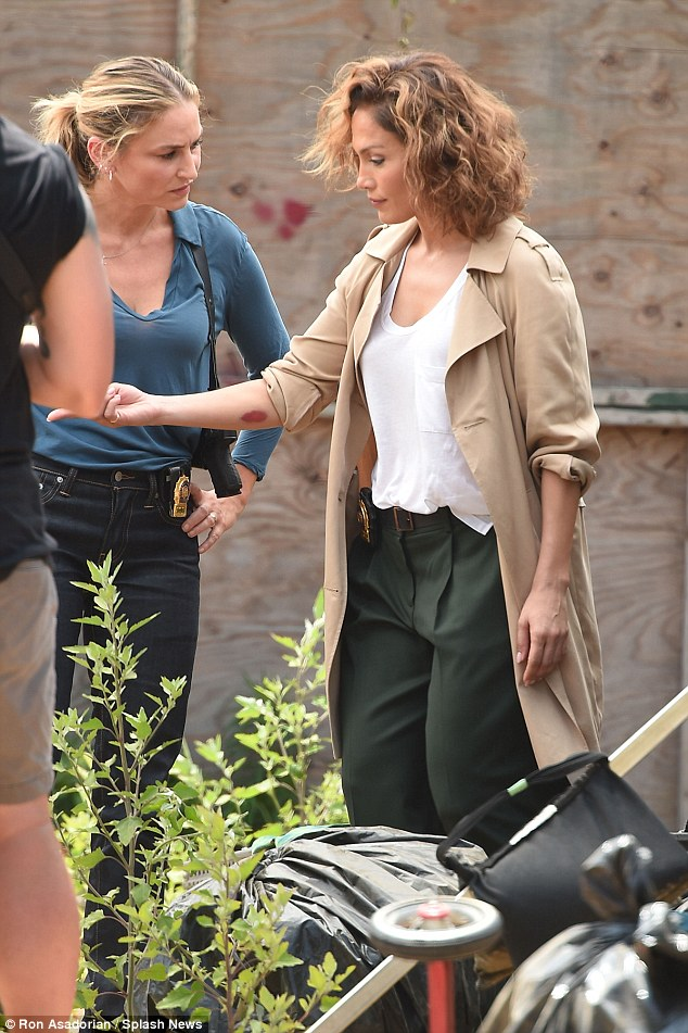 Partner in crime: Jennifer, who wore her hair in a short curled bob, was filming her scene with Drea De Matteo