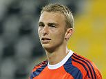 Goalkeeper of Ajax Amsterdam Jasper Cillessen is seen during the international friendly soccer match between FC Schalke 04 and Ajax Amsterdam at Qatar Sport Club Stadium in Doha, Qatar on January 10, 2015. (Photo by Stringer/Anadolu Agency/Getty Images)