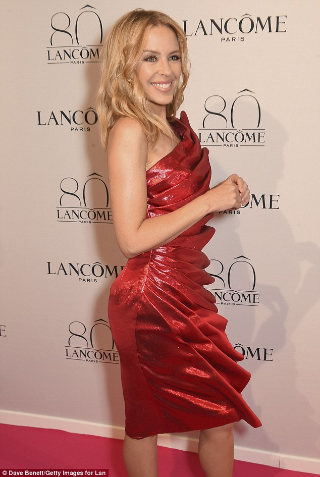 Did she do the Lancome-motion? The Aussie pop star was the evening's special musical guest