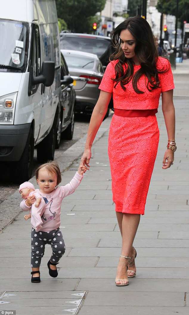 Ready for some pampering: Tamara's long locks looked flawless with little Sophia the one about to hit the stylist's chair