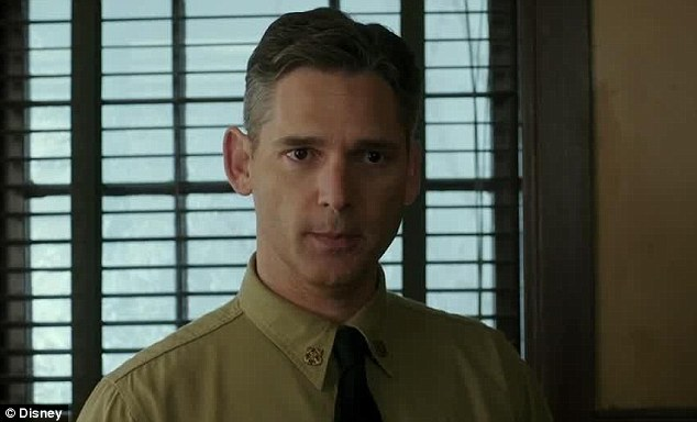 Giving orders: Eric Bana portrayed USCGWarrant Officer Daniel Cluff who ordered the rescue mission