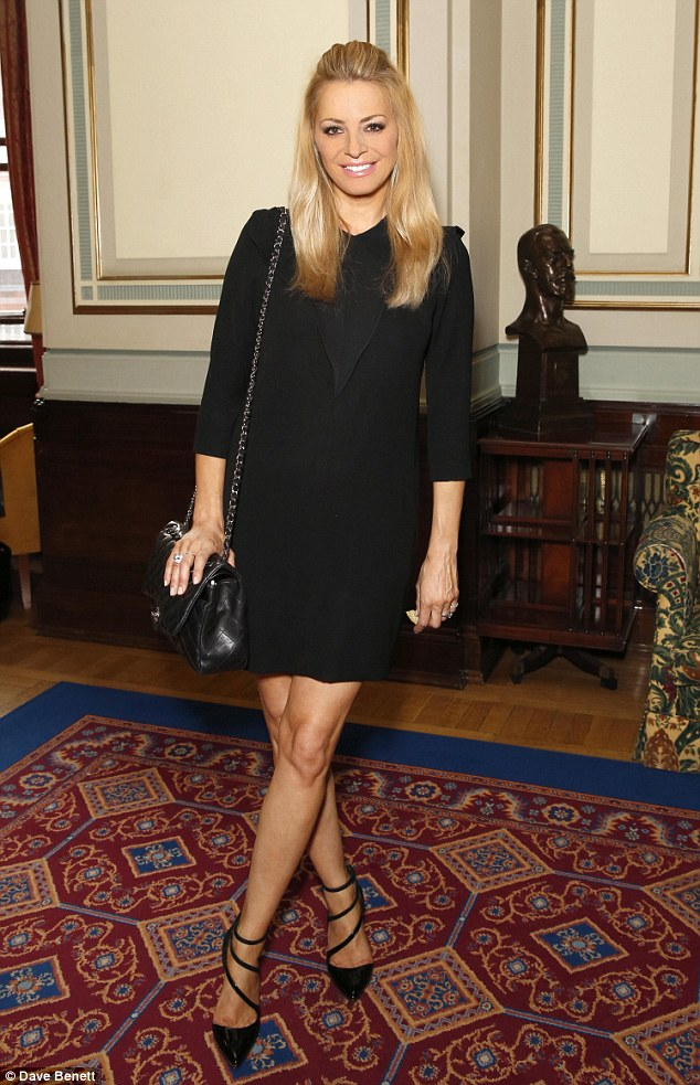 Fashionista: Tess looked sophisticated in a black shift dress and a pair of black strappy heels
