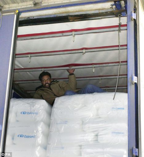 illegal immigrant in lorry
