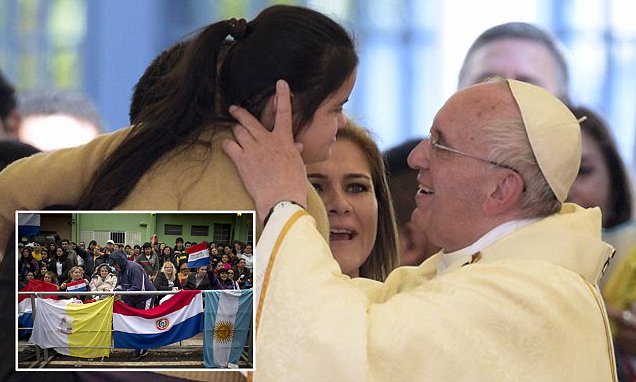 Pope Francis hails 'women, wives and mothers' of Paraguay