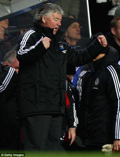 Joe Kinnear (L), manager of Newcastle, celebrates