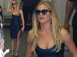 139979, Jennifer Lawrence seen leaving Comic Con in San Diego. San Diego, California - Saturday July 11, 2015. Photograph: © David Tonnessen, PacificCoastNews. Los Angeles Office: +1 310.822.0419 sales@pacificcoastnews.com FEE MUST BE AGREED PRIOR TO USAGE