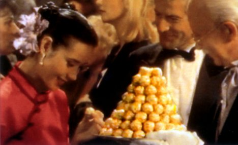 Old TV advert for Ferrero Rocher