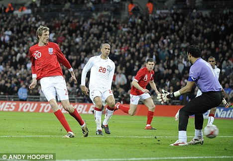 Peter Crouch scores 3-1