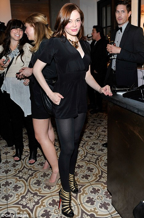 Rose McGowan attends DJ Night hosted by Vanity Fair and Hudson Jeans