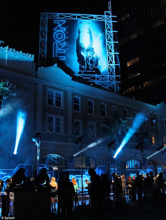 Streetlights: The premiere left Hollywood Boulevard glowing