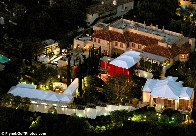 Hello!: Lionel Richie's enormous estate in Beverly Hills, Los Angeles, where Nicole Richie and Joel Madden's wedding took place last night