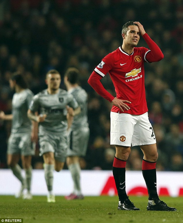 By the end of the season, it was obvious that Van Persie had fallen out of favour with his manager