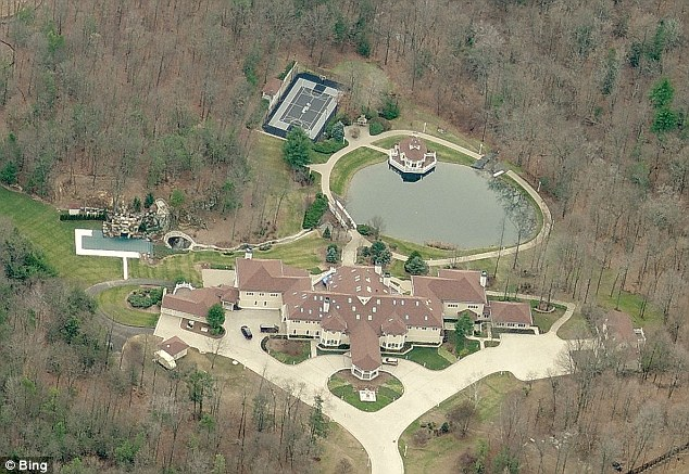 Mansion:Jackson owns a Farmington, Connecticut mansion that boasts 23 bedrooms, 35 bathrooms, and sits on 17.5 acres of land