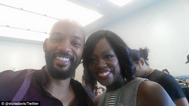 'I'm hanging Big Willy Style': Viola Davis shared this selfie with Will from Comic-Con