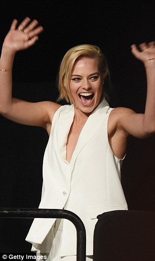 First-timers in the house! Margot and Cara relished their debut at Comic-Con