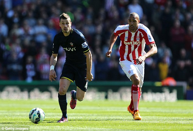 Saints star Schneiderlin (left) had his medical with Manchester United on Sunday